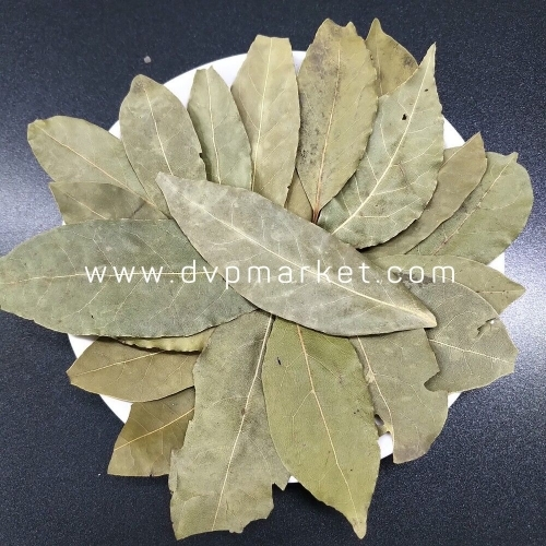 Bay leaves Rubbed
