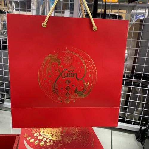 Bộ túi hộp xuân én đỏ kèm rơm màu